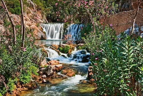 Cascadas en Fuentes del Algar