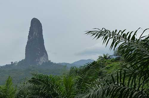 Pico Cao Grande en Santo Tome