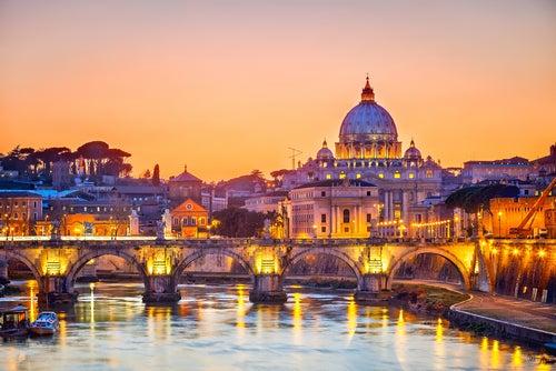 Vista nocturna de Roma