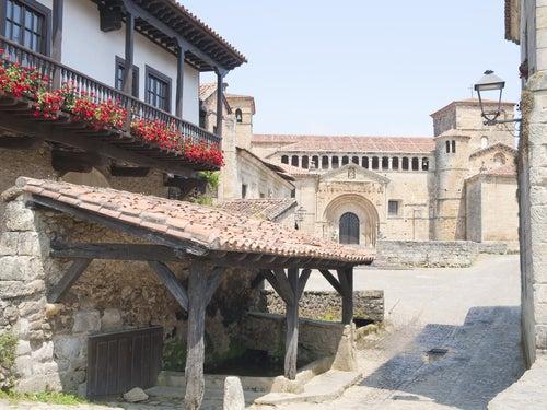 Calles de Santillana del Mar en Cantabria