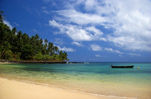 Playa de la isla de Santo Tomé