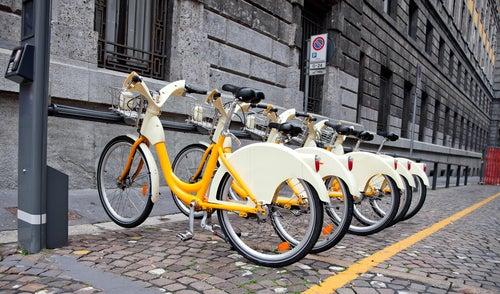 Bicicletas aparcadas en Milan
