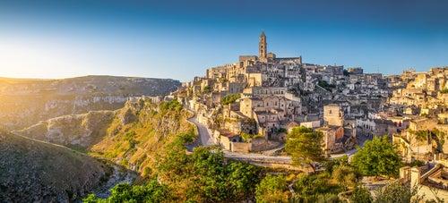 Vista de un pueblo en la región de Basilicata en Italia