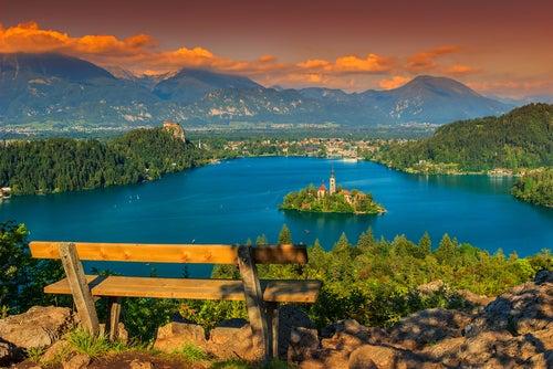 Atardecer en el lago Bled en Eslovenia