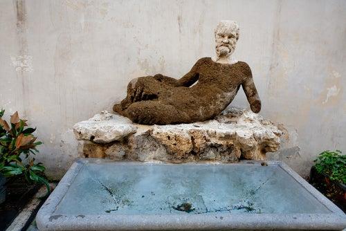 Estatua del Babuino en Roma