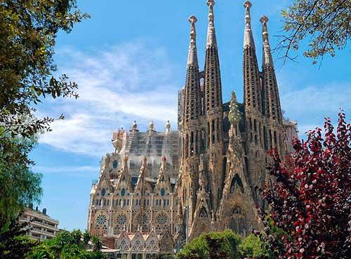 Maravillándonos con la Sagrada Familia de Barcelona