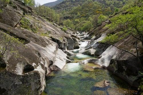 Los pilones, piscinas naturales de España