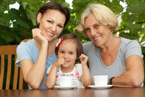 Foto de madre hija y abuela