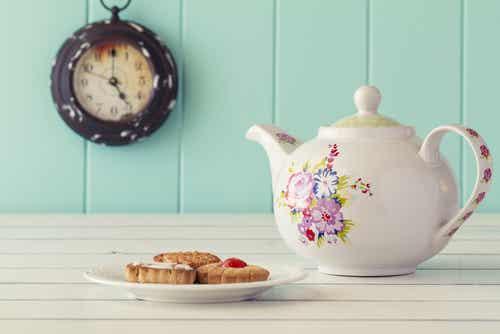 Porqué los ingleses beben tanto té