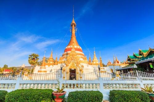 Templo en Mae Hong en Tailandia