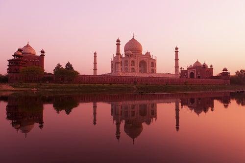 El Taj Mahal al atardecer.