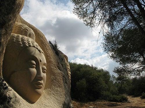 Maitreya en la Ruta de las Caras