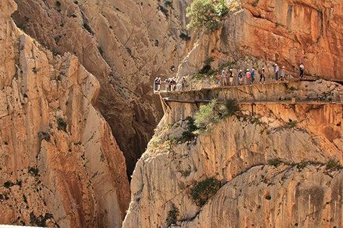 Turistas en Camino del Rey