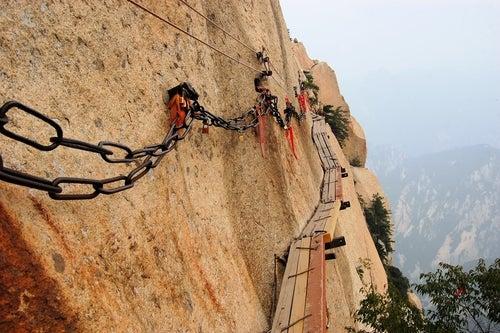 Cmaino de tablas en el monte Hua