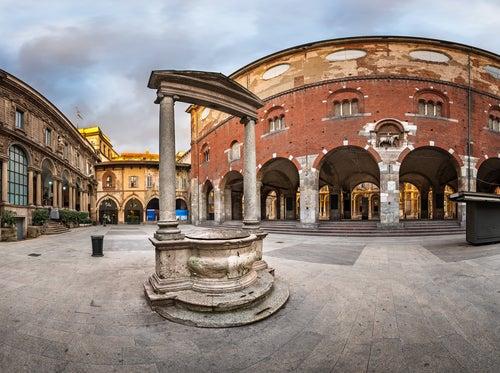 Piezza Mercanti en Milán