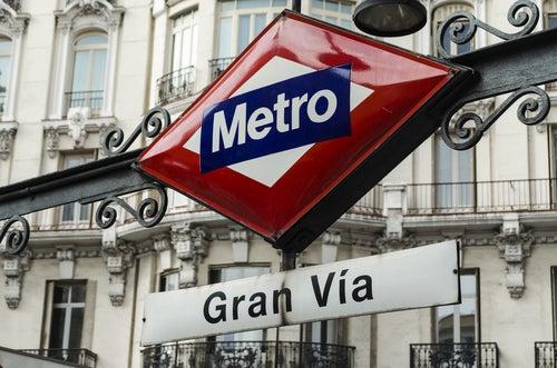 Cartel de metro de Gran Vía