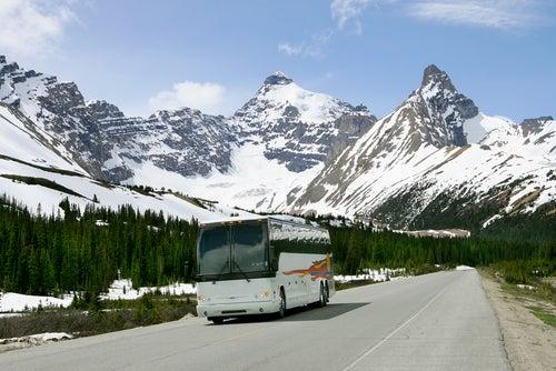 Autobús en carretera de Canadá