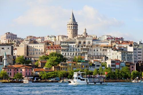 3 ciudades donde se juntan lo antiguo y lo moderno