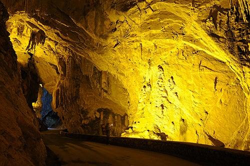 Entrada a Cuevas del Agua, uno de los pueblos más escondidos