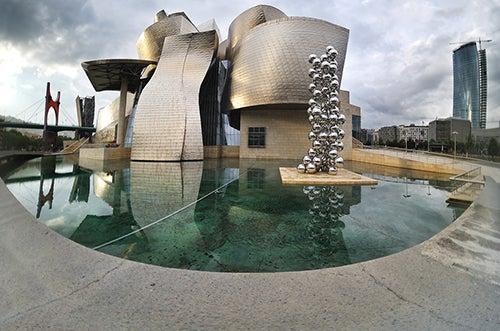 Detalle del Guggenheim en Bilbao