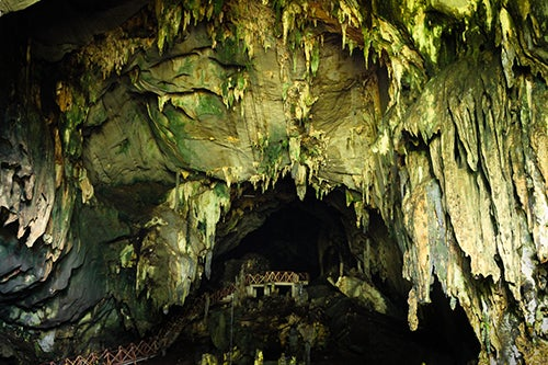 Cueva de las Lechuzas en Perú.