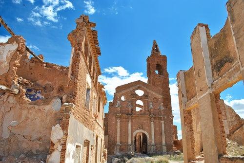 Edificios abandonados en Belchite