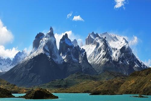 Montañas en Torres del Painé en Chile