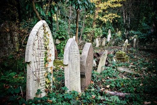 Tumbas en el Cementerio de Highgate