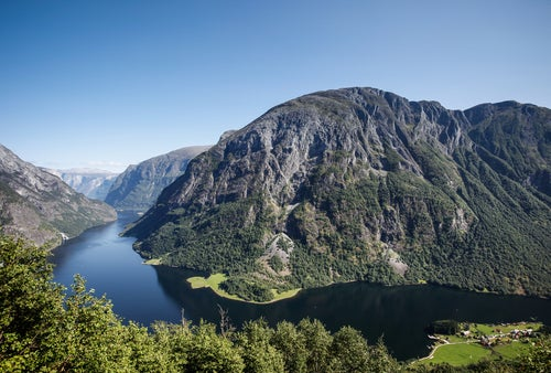 Fiordo Naeroy en Noruega