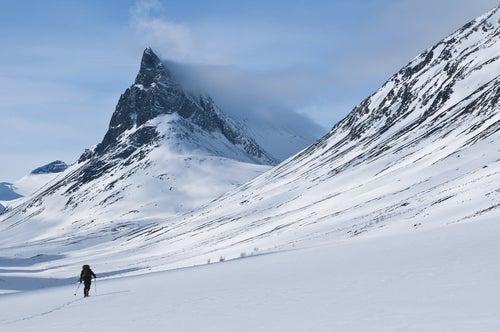 Paisaje de Laponia con nieve
