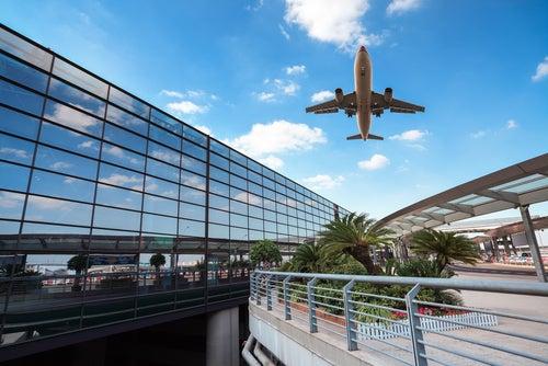 Avión en el aeropuerto de Shangai