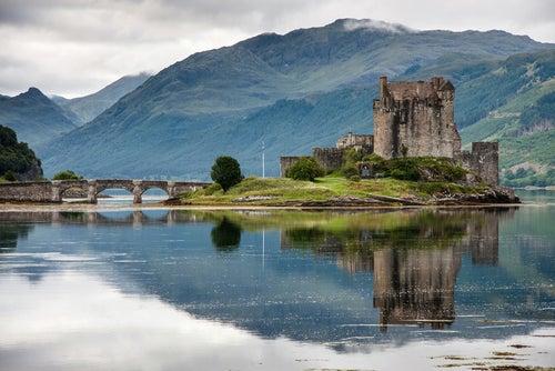 Castillos de Escocia: naturaleza e historia