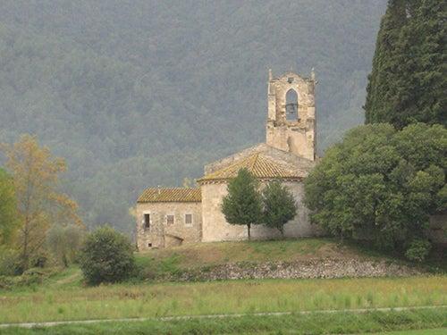Iglesia romanica en Bañolas