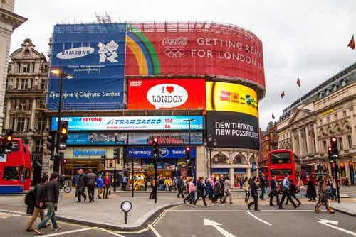 Piccadilly Circus, uno de los mejores lugares de ocio en Londres