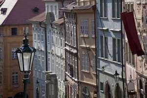 Calle Nerudova en Praga