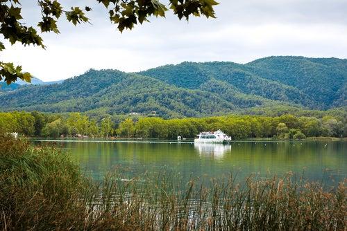 Recorrido por el lago Bañolas