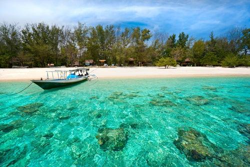 Playa en las islas Gili en Bali