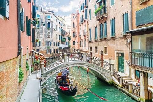 Canal en Venecia - g215