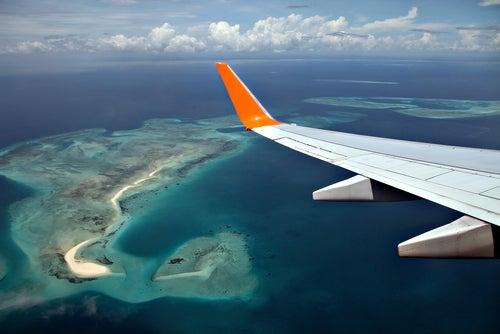 7 consejos para dormir en el avión