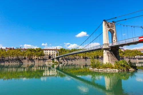 Puente sobre el Ródano en Lyon