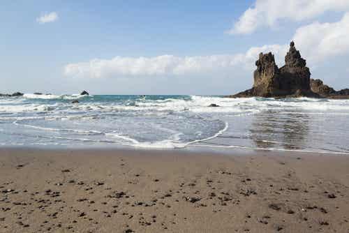 Playa de Benijo, una maravillosa playa de arena negra