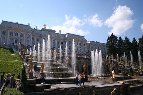 Palacio de PEterhof en San Petersburgo