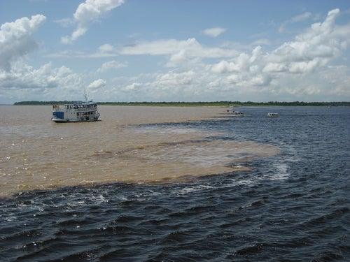 Encuentro de las Aguas en el Amazonas