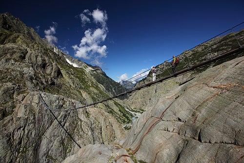 Puente en el glaciar Trift