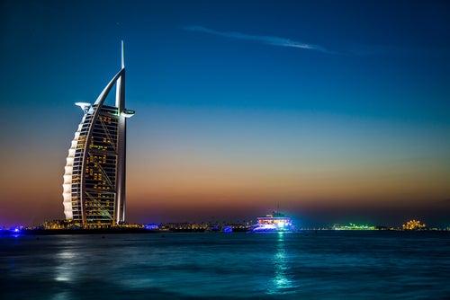 Hotel Burj Al Arab de noche