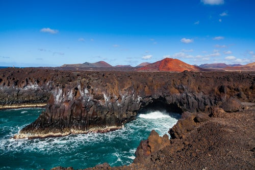 Lanzarote: qué ver y qué hacer en esta isla asombrosa
