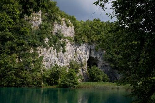 Cueva en Plitvice