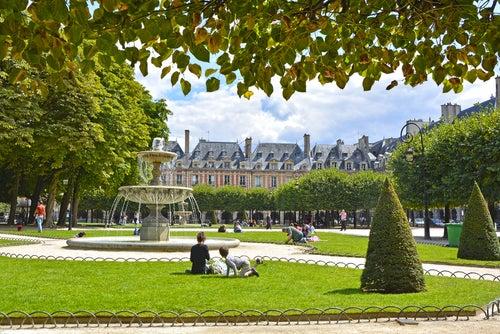 Plaza des Vosgues en París