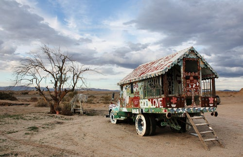 Caravana en Salvation Mountain