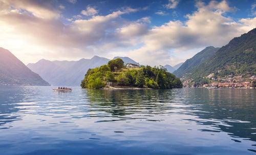 Isla de Comacina en el lago di Como